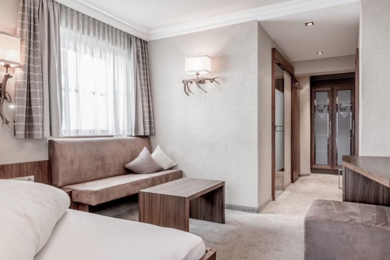Hotel Caroline   Ischgl   Doppelzimmer mit Balkon