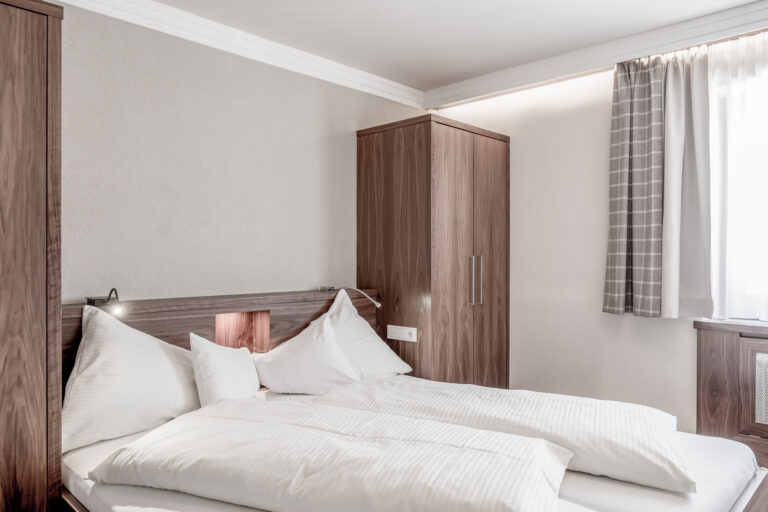 Hotel-Garni-Caroline-Appartement-4pax (12)
