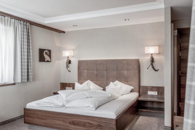 Hotel-Garni-Caroline-Dreibettzimmer (18)