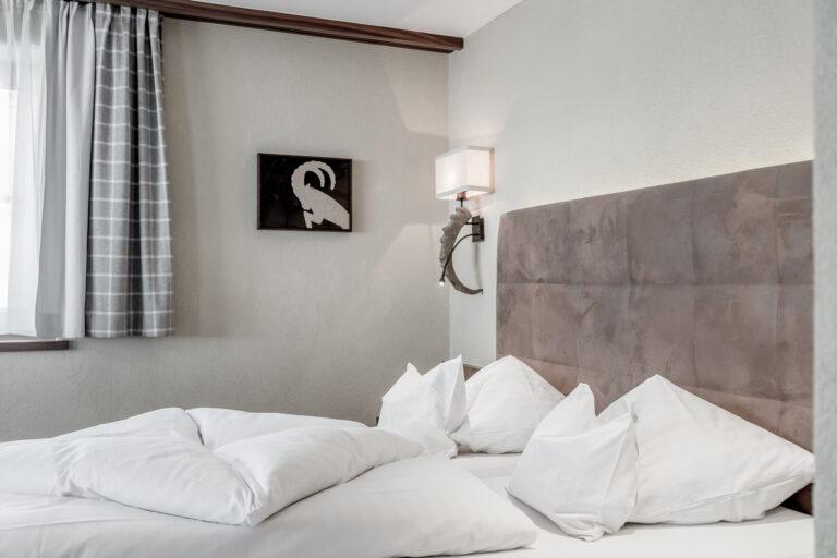 Hotel-Garni-Caroline-Dreibettzimmer (4)