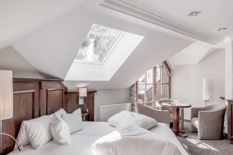 Hotel-Garni-Caroline-Dreibettzimmer (8)